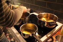 Ustalanie temperatury oleju rzepakowego.