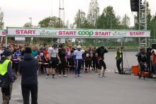 Za chwilę ruszy pierwsza grupa, która przebiegnie 5 km w 19 minut.