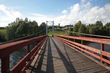 Jest to jeden z najdłuższych, zachowanych mostów drewnianych tego typu.