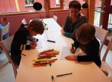 Powstają prace, które zostaną wywieszone w listopadzie, w lokalnej bibliotece.