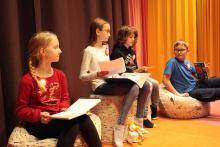 Uczniowie klas 4,5 i 6 będą czytali w języku polskim i szwedzkim.