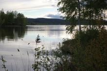 Jezioro wieczorem bardzo sprzyjało wyprawie łódkami.